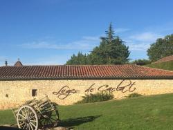 Les Loges de Carlat, Rte de Serignac Ld Ramonichoux, 46700, Floressas
