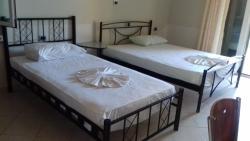 Villa E Gurt, Rruga Naim Frashri, 9706, Εξαμίλιο