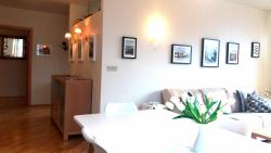 Kósý Holiday house, Bjarnhólastígur 19, 200, Kópavogur
