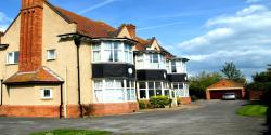 Cloisters Guest House, 94 Berrow Road, TA8 2HN, Burnham on Sea