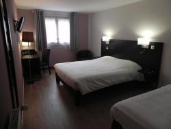 Hotel du Saumon, 89, Place de la Madeleine, 27130, Verneuil-sur-Avre