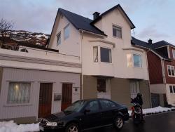 Guest House Borgustova, Fjarðarvegur 2, 350, Vestmanna
