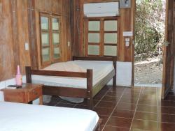 Hotel Isla de Chira, 50 metros este de Puerto Palito Isla de Chira, 60113, Morote