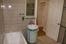 Rooms in a beautiful central cottage, 13 Morrisset Street, 2795, Bathurst