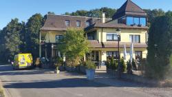 Landhotel Zum Doppeldecker, Alte Eisenstrasse 1, 57548, Kirchen