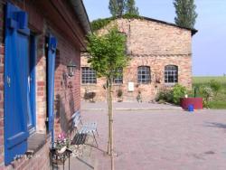 Haus-an-der-Schmiede-beide-Wohnungen-fuer-7-Personen, Nikolaus-Dierling-Straße 1, 18314, Bartelshagen