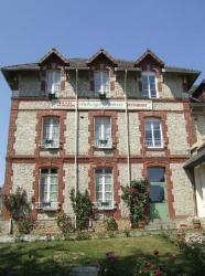 Auberge Fleurie, 4 rue Mademoiselle Normand, 61140, Bagnoles de lOrne