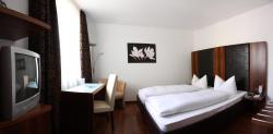 Hotel zur Pfalz, Marktstraße 57, 76870, Kandel