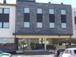 Hotel Alfinden, Barrionuevo, 45, 50171, Puebla de Alfindén