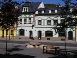 Hotel Anna Nejdek, Nam. Karla IV. 486, 36221, Nejdek