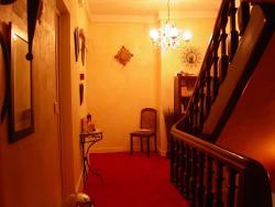 Hôtel le Dauphin, 66 Grande Rue , 61380, Moulins-la-Marche