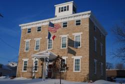 Black Horse Inn, 5259 South Mound Road, 52073, Sherrill