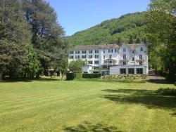 Hôtel et Résidence des Bains, Av. De La Promenade, 15800, Vic-sur-Cère