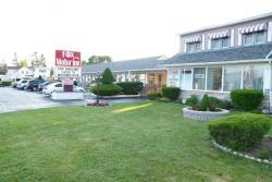 Fox Motor Inn, 297 Dundas Street West, K7R 2B3, Napanee