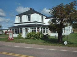 Silver House Bed & Breakfast, 3289 Highway #2, B0M 1J0, Economy
