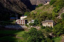 Songtsam Lodges - Songtsam Ben Zi Lan Hotel, Bairen Village, Ben Zi Lan Town, Diqing, 674400, Benzilan