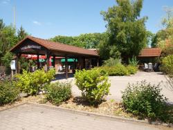 Familienhotel Landhaus Pfahlershof, Koogstraße 16-17, 25774, Karolinenkoog