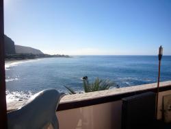 The Gomera Lounge, Playa de la Calera, 9, 38870, La Playa Calera