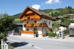 Haus Breitfuss, Dorfplatz 100, 5752, Viehhofen