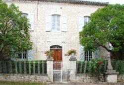 Maison d'Hôtes Le Logis de Reyjade, Place de la République, 46230, Montdoumerc