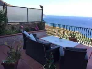 B&B La Terrazza Sul Mare Taormina, Chambres d\'hôtes Taormine
