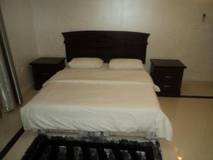 Room photo 8 from hotel Al Buraimi Hotel