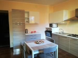 Feel at Home - LA TERRAZZA SUL BORGO, Apartments Lovere