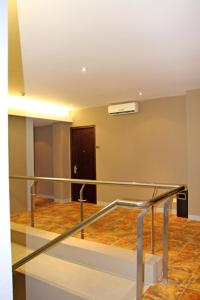 Plan B Hotel   picture