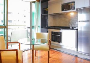 A cozinha ou cozinha compacta de Flat no Brooklin 186