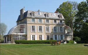 Chambres d'Hôtes Château de Damigny Saint-Loup Hors
