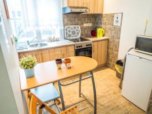 Nhà bếp/bếp nhỏ tại Vagohid30 Apartment