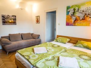 Giường trong phòng chung tại Vagohid30 Apartment