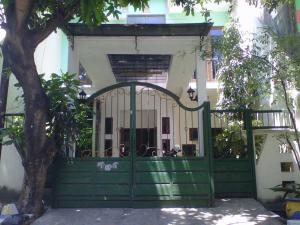Kutisari Guesthouse