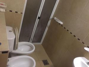 Un baño de Duplex Remanso