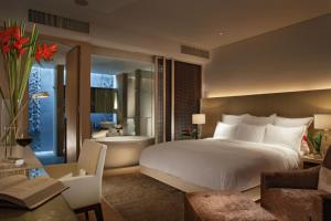 Singapore Marriott Tang Plaza Hotel - Image3