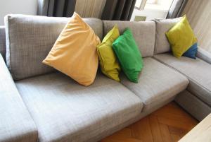 Cama ou camas em um quarto em Spacious light apartment in the heart of Prague