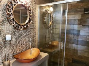 حمام في Agrili Apart Hotel