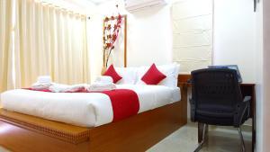 Una cama o camas en una habitación de Blobb Serviced Aparments