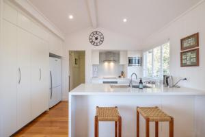 A cozinha ou cozinha compacta de Central Cottage