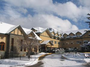Banff Y Mountain Lodge Banff