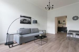 Uma área de estar em Rehorova apartment