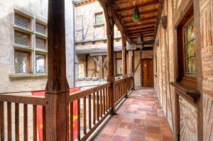 Chambres d'hotes  La Maison Bakéa Cordes sur Ciel