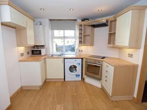 Una cocina o kitchenette en Drovers Cottage
