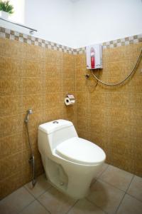 Um banheiro em The Three Shooting Stars
