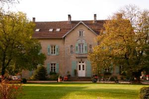 Domaine du Château de Roche sur Linotte Roche sur Linotte et Sorans les Cordiers