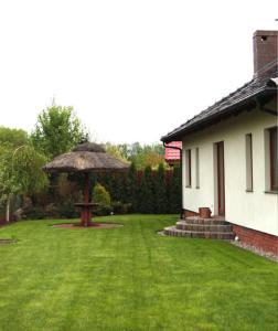 Un jardín fuera de Dworek nad Radunią