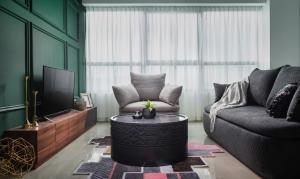 منطقة جلوس في OYO Home 916 Elegant 2BR Arte Plus