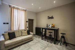 Uma área de estar em Castle Apartment near Duomo