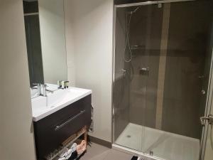 Phòng tắm tại Southbank Short Stay Apartment