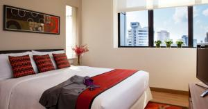 מיטה או מיטות בחדר ב-8 on Claymore Serviced Residences - By Royal Plaza on Scotts